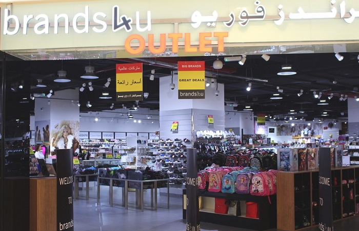"Al Raha Mall Abu Dhabi introduces Brands4U factory outlet, subsidiary of Concept Brands Group, a global fashion and lifestyle retail conglomerate known for international branded luxury goods. ""Al Raha Mall shoppers will find Brands4U a one-stop destination for multiple fashion brands at affordable prices all year. The store offers luxurious products for customers at competitive prices,"" says Sadiq Afridi, mall manager at Al Raha Mall. ""Our vision is to cater to the average luxury consumer at Al Raha Mall with affordable prices and quality lifestyle products. We are delighted to be part of the retail portfolio at Al Raha Mall,"" says Vijay Samyani, founder and managing director of Concept Brands Group. The 9,600sqft Brands4u at Al Raha Mall meets the requirements of luxury connoisseurs and brand conscious customers looking to buy perfumes, cosmetics, skincare, watches, jewellery, writing instruments, designer footwear and clothes. Shoppers at Al Raha Mall can win AED 50,000 weekly and a grand prize of AED 1 million as part of Line Investments & Property LLC's 'Mall Millionaire' campaign. To become a 'Mall Millionaire', shoppers spending AED200/- can present their receipts to customer service and their entries will reach them digitally via email and SMS. Al Raha Mall outlets include, Lulu Express Supermarket, Al Raha Cinema, Party Center, Zaks, Dubai Library, Tas-heel, Tasleem, Low cost Travel, Tadbeer, Brands4U, Sparky's, Etisalat, Al Ansari Exchange, Asfar Laundry, Thrifty Rent A car, Salons, Photo studio, ATM's and Green Land Flowers. Food lovers can enjoy Subway, Papa Murphy's, Charley's, Burger Hut, Soulful Restaurant, Samurai Japanese Restaurant, Sapori Veri Restaurant, Fresh Bakes Café, Bonjour Bonsoir Café, Caesar's Restaurant & Confectionery and Tche Tche Boulevard Restaurant."